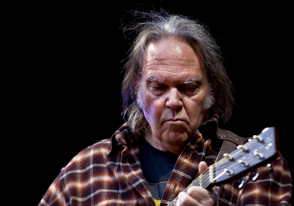 Agribusiness giant Monsanto has been targeting Neil Young, journalists, and others | News | LIVING LIFE FEARLESS