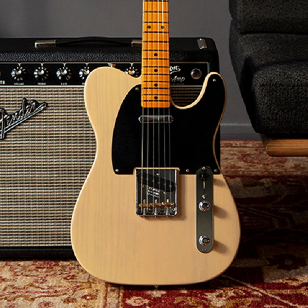 Fender is offering free guitar lessons to help ease the isolation   News   LIVING LIFE FEARLESS